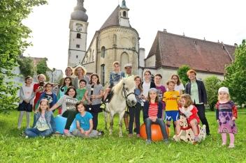 KinderSpielStadt-Team & Kinder